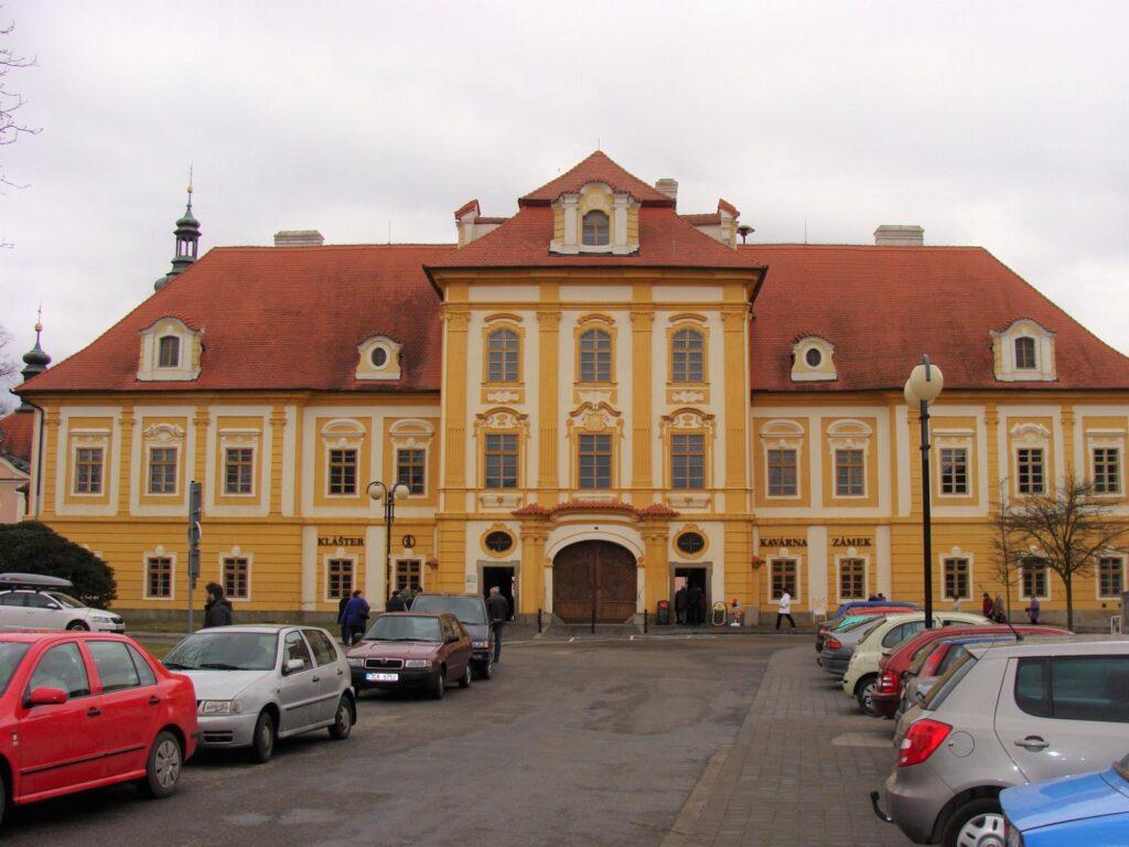 Borovany - Zámek a Klášter