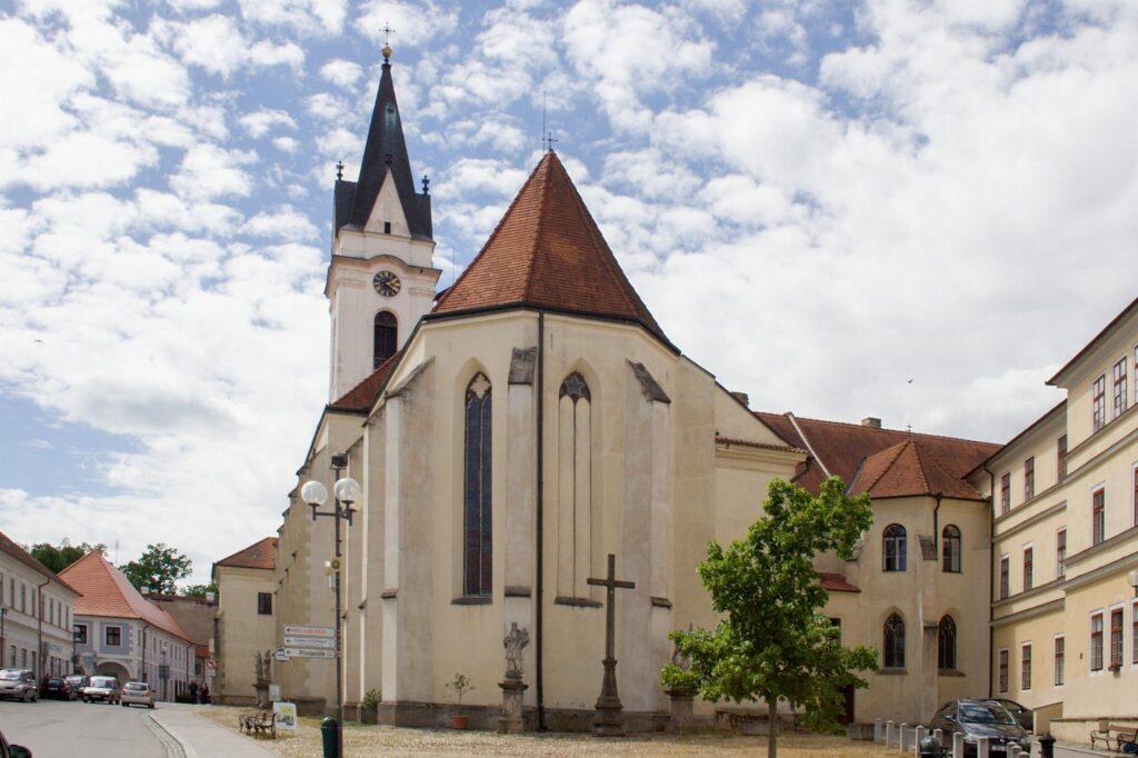 Kostel Panny marie královny a sv. Jiljí v Třeboni