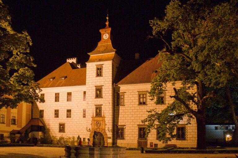 Zámek Třeboň v noci